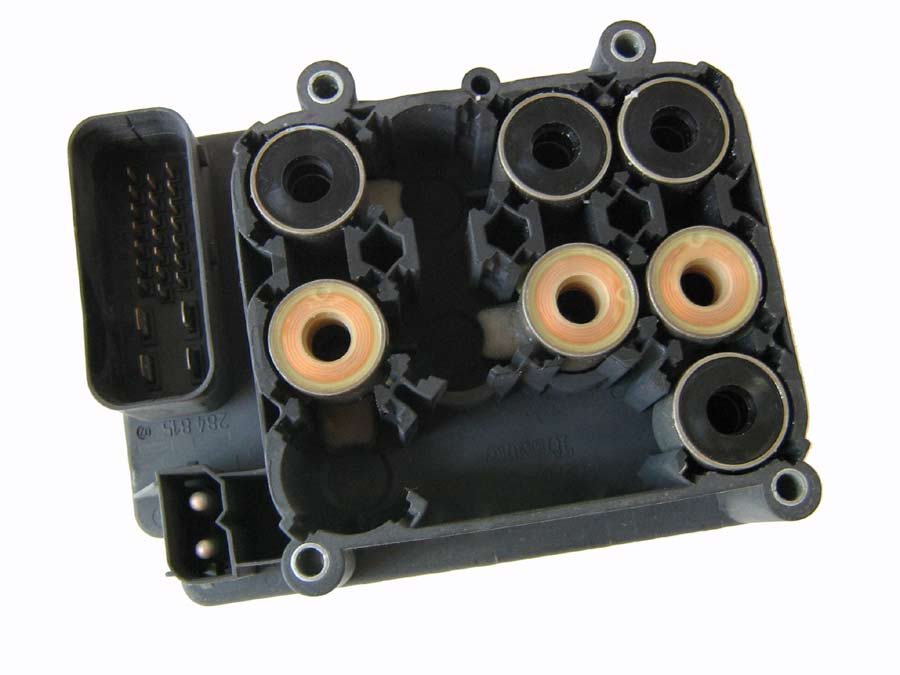 Volvo ABS Control Module 8602266