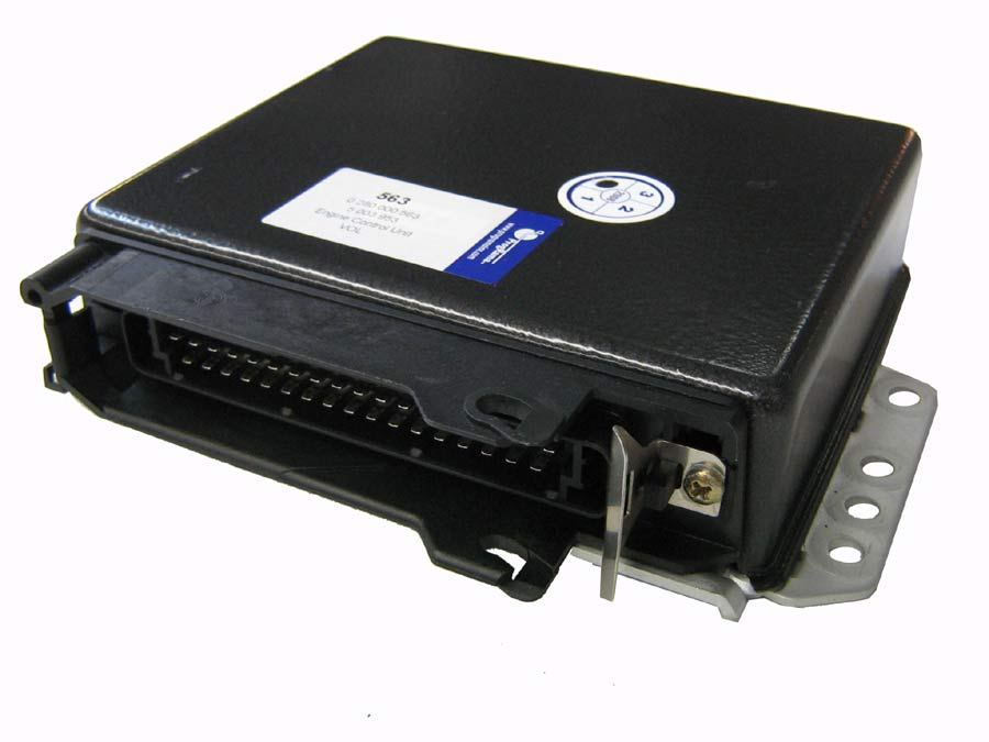 Volvo Engine Control Unit 0 280 000 563