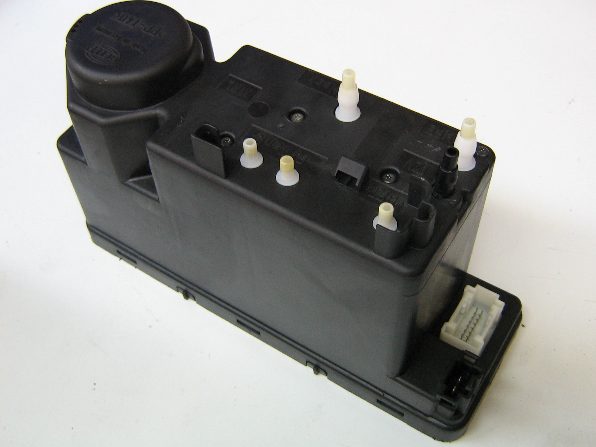 Mercedes Central Lock Pump 129 800 1748